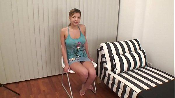 Анально-вагинальные веселия с юный российской блондинкой